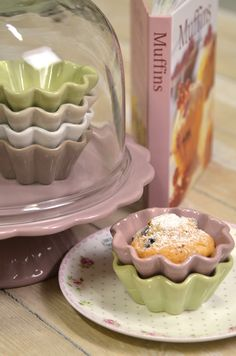 Mynte stoneware by Ib Laursen, Apple Green, Cafe Latte, Pure White and Milky Brown cupcake bowl and a Dysty Violet Cake Stand.