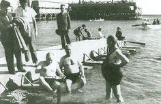 Florya Atatürk Deniz Köşk'ü Gazi Florya'da Denize Girerken. İstanbul, 7 Temmuz 1935 ENG When Gazi swam at Florya Atatürk Marine Mansion. Istanbul, 7 Jul 1935