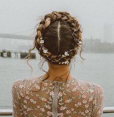 Bridal Hair Inspiration - Crown Braid - a slice o' pi Wedding Braids, Braided Hairstyles For Wedding, Bride Hairstyles, Pretty Hairstyles, Crown Braid Wedding, Debut Hairstyles, Braid Hairstyles For Long Hair, 1920s Hairstyles, Hairstyle Braid
