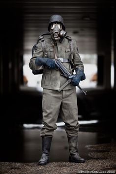 Moon Nazi from the movie Iron Sky. Gas Mask Art, Masks Art, Gas Masks, Ww2 Uniforms, German Uniforms, The Coming Race, Airsoft Mask, Wolfenstein, Futuristic Art