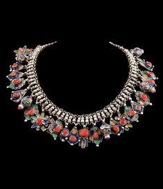 Die besondere Expertise von Quittenbaum Kunstauktionen in den Bereichen Jugendstil, Design, Murano Glas, Afrikanische Kunst und Moderne Kunst hat das Auktionhaus zu einem Forum für passionierte Sammler und Spezialisten gemacht. Coral Jewelry, Enamel Jewelry, Tribal Jewelry, Jewelry Art, Beaded Jewelry, Silver Jewelry, Silver Pendants, African Jewelry, Indian Jewelry