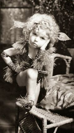 Shirley Temple (5) - 1933 - Kid in Hollywood Did she ever have a real childhood?