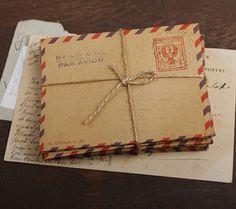 Set of 8 Vintage Style Mini Airmail Envelopes / Par Avion Envelopes, Poste Italiane (Italy) Design with FREE Vintage Stamps Airmail Envelopes, Small Envelopes, Invitation Envelopes, Vintage Stationary, Wedding Stationary, Wedding Card, Wedding Invitations, Mini Kraft, Vintage Stamps