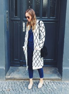 A super comfy and stylish look by Ina you could try on this fall featuring diamond pattern knit long cardigan. | Lookbook Store OOTD #LBSDaily