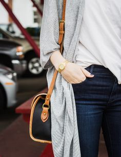 loose cardigan, t-shirt and jeans + a vintage bag