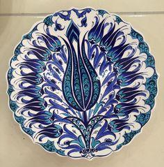 Plate Wall Decor, Plates On Wall, Ceramic Plates, Decorative Plates, Art Nouveau, Turkish Art, Ceramic Artists, Art Object, Glaze