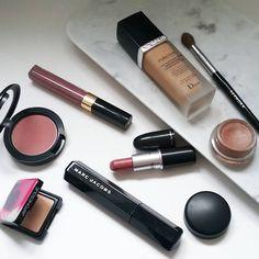 PINK MAKEUP | MARC JACOBS MASCARA, DIOR FOREVER FOUNDATION, CHANEL GLOSSIMER, MAC BLUSH, MAC BRAVE | Makeup  | casalorena.com