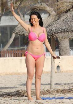 Chantelle Houghton in bikini #celebrity #bikini #cameltoe #nipslip #legs #beach