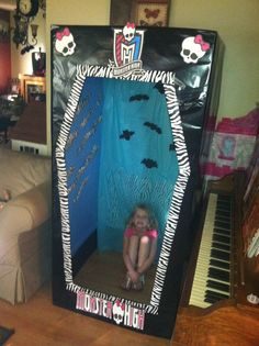 Monster High Doll Box Photo Booth