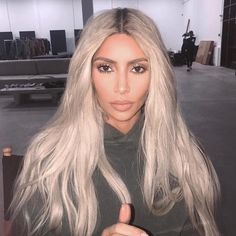 "68.3k Likes, 445 Comments - ARIEL (@makeupbyariel) on Instagram: ""I said ""kim, look up"" and then this 👆🏻happened😍 #makeupbyariel #KimKardashian #chrisappletonhair"""