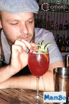 🍹Δες το #luna_rosa ,το νεο #οινομελο_cocktail του Manos Prevolis στο MAMBO Beach Bar τoυ Μπαλί Κρήτης.😋Μια υπέροχη δημιουργία με ιδιαίτερα συστατικά για απίθανες καλοκαιρινές απολαύσεις. Μπράβo Μανο!!! 🙎♂️Manos Prevolis 🏝 MAMBO Beach Bar 📍 Μπαλί ,Κρήτης ☎️ 2834 094412 Alcoholic Drinks, Cocktails, Crete, Bali, Wine, Glass, Food, Liquor Drinks, Cocktail Parties