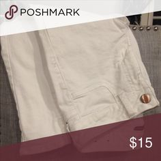 American Eagle White Jeggings SUPER stylish white Jeggings that go with any top! SOLD IN A SMOKE FREE HOME💥💥 American Eagle Outfitters Pants Skinny