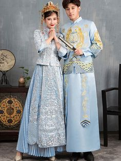 Blue Embroidered Wedding Qun Kwa & Pleated Skirt Custom Made Clothing, Chinese Clothing, Bridesmaid Dresses, Wedding Dresses, Chinese Culture, Mandarin Collar, Wedding Suits, Floral Embroidery, Aesthetic Clothes