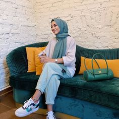 Modern Hijab Fashion, Street Hijab Fashion, Hijab Fashion Inspiration, Muslim Fashion, Mode Inspiration, Modest Fashion, Fashion Outfits, Casual Hijab Outfit, Hijab Chic