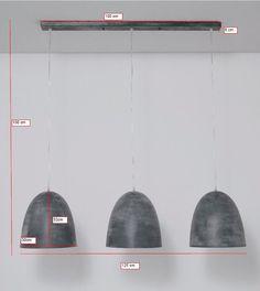 Dezebijzondere hanglampkomt mooi tot zijn recht boven een grote eettafel. Het ontwerp van de hanglamp is stijlvol, sierlijk en modieus. Met deze industriële hanglamp is je inrichting compleet. De hanglamp creëert gezelligheid, sfeer en huiselijkheid waardoor iedereen zich thuis voelt in jouw huis.Specificaties:Bijbehorende lampen: 3x E27 (60Watt.)