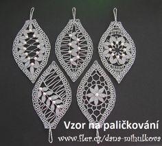 Podvinek 020 - Vánoční špice  I appreciate the work that was put into making these!  Nice!