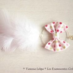 Collier attrape reves gros noeud et plumes blanches