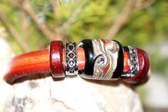 "Bracelet regaliz ""Terra"" by TaniaTank on Etsy"