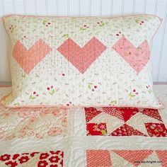 sewing pillows Valentines and Heart Projects Round-Up Diy Craft Projects, Sewing Projects, Sewing Ideas, Stem Projects, Sewing Hacks, Project Ideas, Craft Ideas, Free Pattern Download, Heart Projects