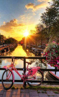 Romantic Sunrise - 18 stunningly beautiful pictures of Amsterdam - Netherlands Tourism Romantic Places, Romantic Travel, Beautiful Places, Beautiful Pictures, Stunningly Beautiful, Amazing Places, Netherlands Tourism, Amsterdam Netherlands, Places To Travel
