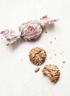 amaretti cookies - my fave