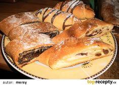 Kynuté záviny, koláče ze šlehačky recept - TopRecepty.cz Hot Dog Buns, Bread, Program, Food, Brot, Essen, Baking, Meals, Breads