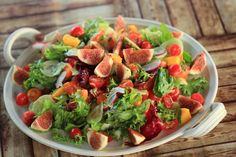 Salát s fíkama a mangem