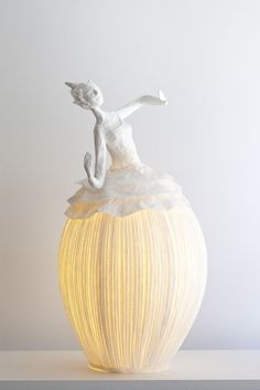 Ethereal Papier-Mache Lamp Sculptures of Dancers & Fairies The team of Sophie Mouton-Perrat and Frédéric Guibrunet, aka Papier à êtres, have been constructing delicate and ethereal papier mache. Posture Fix, Bad Posture, Wand Tattoo, Paper Art, Paper Crafts, Paper Lamps, Paper Mache Projects, Free To Use Images, Paperclay