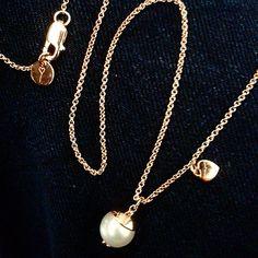 #battiquore #milano #collezione #amore  in #argento 925 placcato #ororosa e #perle coltivate d'acqua dolce.... scopri tutte le #novità sul nostro #shoponline www.battiquore.it e sulla nostra #pagina #facebook ! #gioielli #moda #fashion #accessori #vogue #italiandesign #cute #precious #instapicture #instajewels #instalovers #instabeauty #instagood #followme #tagsforlikes #roma #pavia #igerspavia #ilovemano