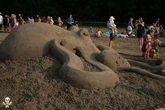 octopus full #Sand #Sculpture #Octopus #Tentacles  www.steampunktendencies.com