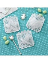 Occorrente e schema per bomboniere Filet Crochet Charts, Crochet For Boys, Mixed Babies, Freeform Crochet, All Craft, Baby Gifts, Baby Boy, Miniatures, Hair Accessories