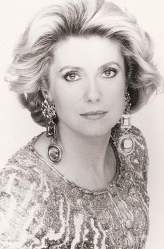 Catherine Deneuve, Old Hollywood Stars, Vintage Hollywood, Hollywood Glamour, My Hairstyle, Cool Hairstyles, Christian Vadim, Divas, Yves Saint Laurent