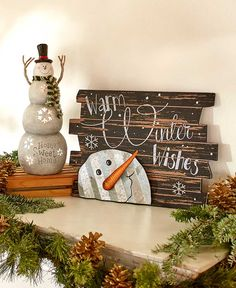 26 Lovely Christmas Wood Signs to Create a Unique Holiday Look - The Trending House Christmas Wood Crafts, Snowman Crafts, Christmas Signs, Rustic Christmas, Christmas Art, Christmas Projects, Holiday Crafts, Christmas Decorations, Christmas Ornaments