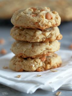Soft-Batch-Oatmeal-Scotchies-Cookies-are-so-moist-and-gloriously-soft-with-a-delightfully-sweet-kiss-of-butterscotch-morsels | ComfortablyDomestic.com