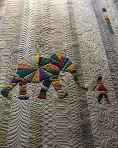 "Sarah Yetman on Instagram: ""All finished and ready to dive into another :) I really enjoy quilting rows. It's very therapeutic.  #quilts #quilting #longarmquilting…"" Longarm Quilting, Diving, The Row, Elephant, Quilts, Blanket, Pattern, Instagram, Scuba Diving"