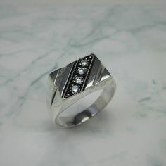 Men's rectangular Silver Ring, Sterling 925 Rectangular shape with white CZ stones, Geometric Ring for Men,Gentlemen Silver Large Ring by CESARRUBENJEWELRY on Etsy  Anillo rectangular con Zirconias para caballero.