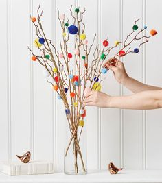 DIY Craft Projects - Crafts for Kids & Adults Fun Arts And Crafts, Diy Home Crafts, Arts And Crafts Projects, Crafts For Kids, Tree Crafts, Easter Crafts, Christmas Crafts, Pom Pom Tree, How To Make A Pom Pom