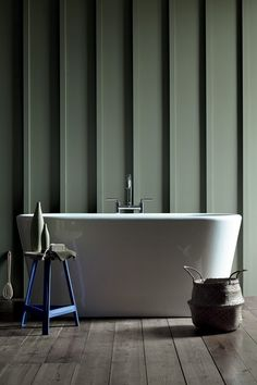 Stylish bathroom painted in sage Green 80 Little Greene, panelled wall, free standing bath. Little Greene Paint, Little Greene Farbe, Green Furniture, Shelf Furniture, Paint Shades, Luxury Wallpaper, Green Wallpaper, Green Rooms, Bathing