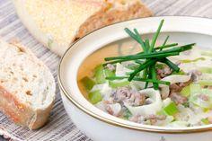 Ein echter Klassiker in der kalten Jahreszeit ist die Hackfleisch-Käse-Lauch-Suppe – Superschnell gemacht auch ohne Maggi und Knorr und sooo lecker!
