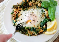 Lemony Egg in a Spinach-Chickpea Nest by kitchentreaty #Egg #Spinach #Chickpea #Lemon #Healthy