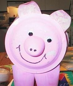 Super cute standing pig craft!