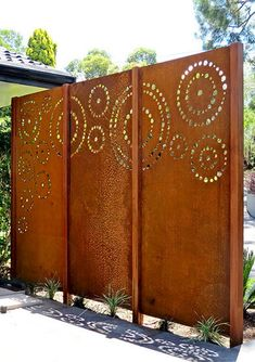 55 Easy and Cheap Privacy Fence Design Ideas is part of Easy Cheap Backyard Privacy Fence Design Ideas Homespecially A garden fence is a practical way to keep critters away from your precious flower - Cheap Privacy Fence, Privacy Fence Designs, Outdoor Privacy, Privacy Walls, Backyard Privacy, Backyard Fences, Backyard Ideas, Landscaping Ideas, Diy Fence