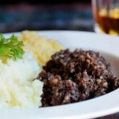Haggis, Tatties and Neeps Recipe - Traditional Scottish dish...will give this a go if I end up moving there!
