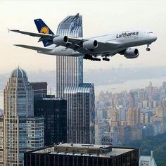 Airbus 380 Manhattan