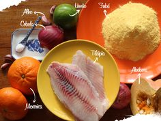 peixe ao fubá e uma saladinha de mexerica