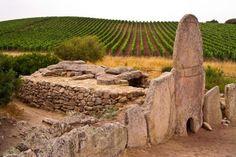 Le Tombe dei Giganti di Arzachena - Sardegna   Coddu Vecchiu (Coddu Ecchju)