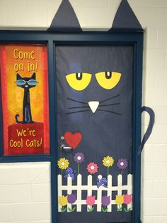 Think Spring! Pete The Cat for your classroom door. Bulletin Board or Door