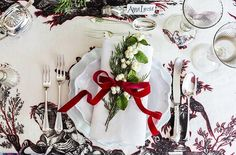 Your Holiday Table Setting Cheat Sheet!
