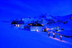 Jagdschloss Kühtai (2017mt) - Tradition-rich winter sports hotel with an aristocratic soul in #Tyrol