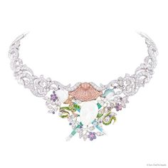 L'Invitation necklace from Van Cleef